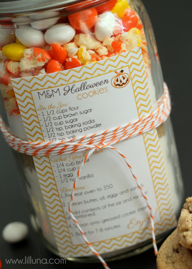 halloween cookies in a jar gift