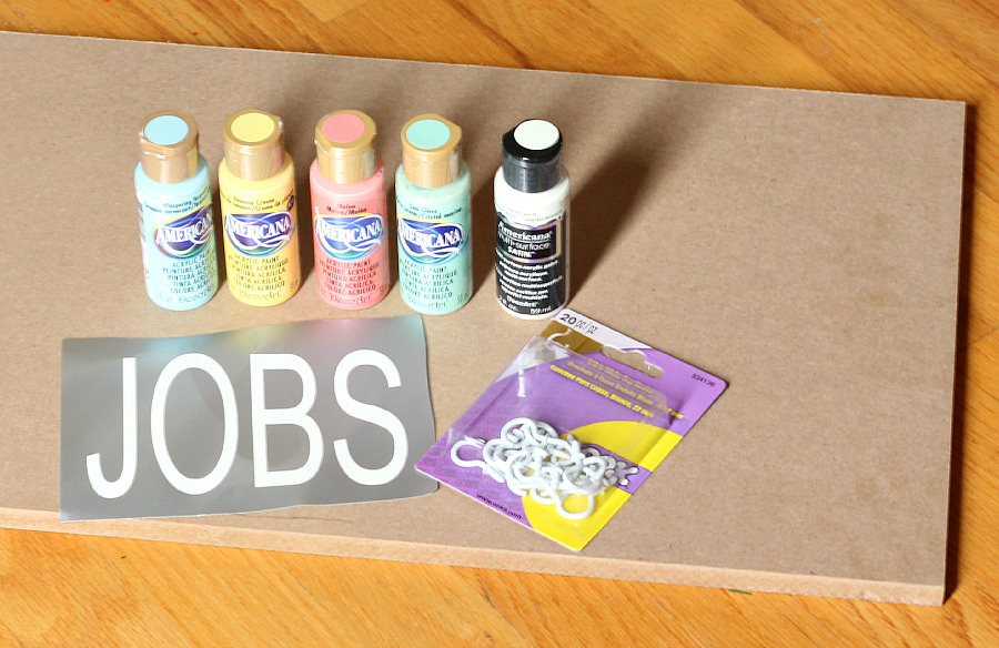 Get everyone organized this Summer with this DIY Job Chart for Kids!  www.uncommondesignsonline.com