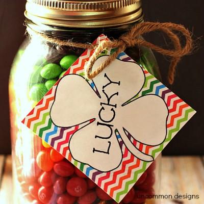 St. Patricks Day Mason Jar Gift with Free Printable Lucky Tag