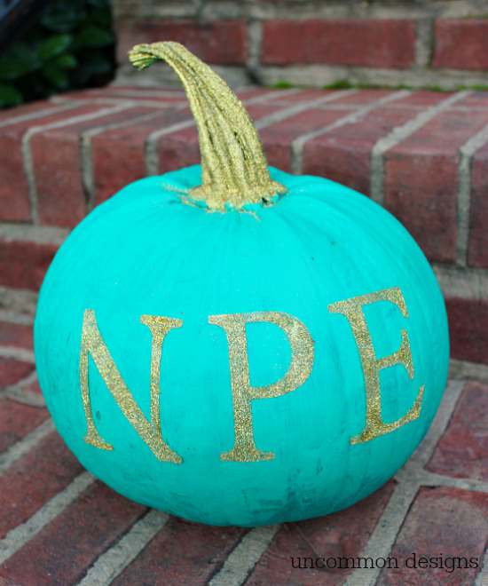 How to Make a Monogrammed Pumpkin... the Easy Way with Uncommon Designs #GlitteredPumpkin #Pumpkin Decorating