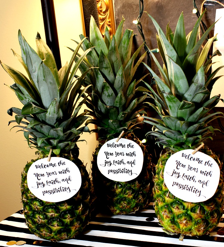 Free Printable New Years Gift Tags.  Welcome the new year with this great gift attached to a pineapple! See more at https://www.uncommondesignsonline.com/