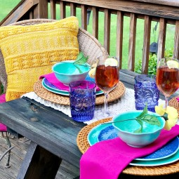 Outdoor dining is one of my favorite aspects of summer. I'll show you how to be prepared to set a bright and beautiful summer table in minutes!