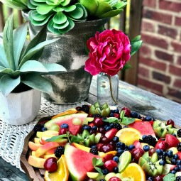 Fresh Produce makes Summer Entertaining so Easy and Delicious! Come see some delicious beverage pairings and a fruit salad tray that is a work of art!